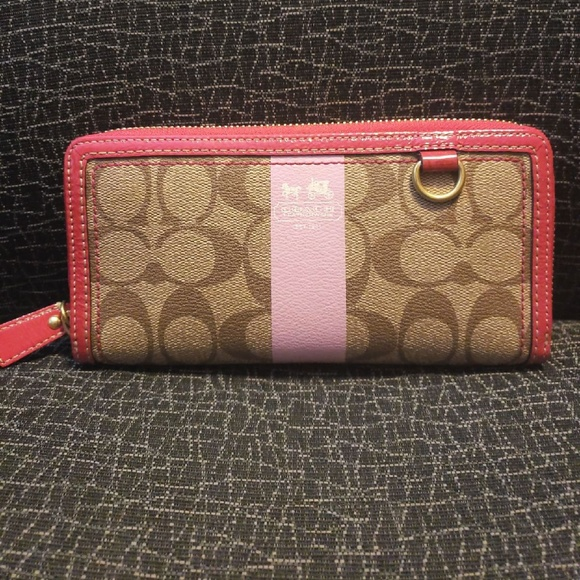 Coach Handbags - NWT Coach Zip Around Wallet
